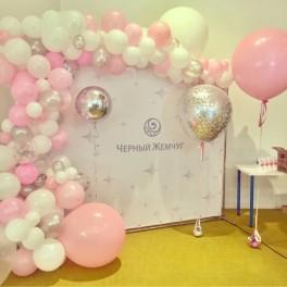 Инсталляция из шаров для Press wall
